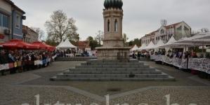 "Mirni protesti ""Majki Srebrenice"" u Tuzli: Pa zar je previše to što tražimo pravdu i kosti svojih ubijenih"