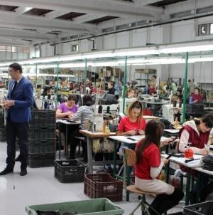 Gradonačelnik posjetio fabriku za proizvodnju obuće Intral d.o.o. i učenike Mješovite srednje škole Tuzla