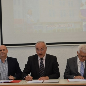 Potpisan sporazum o poslovnom povezivanju i saradnji visoke škole FINra i FINconsulta sa Kantonalnom privrednom komorom Tuzla