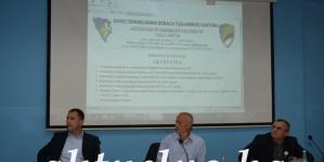"""Zlatna plaketa sa ljiljanom Saveza demobilisanih boraca TK za menadžment RMU """"Banovići"""""""