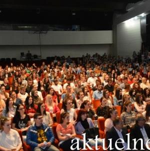 Stipendije za 1.778 učenika i studenata