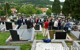 Otkriveno spomen obilježje Nikici Žariću, borcu Armije BiH koji je odbio napustiti logor Batković