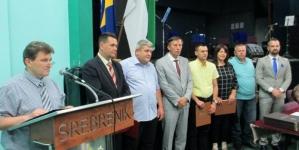 Premijeru Gutiću uručena Plaketa Općine Srebrenik
