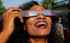 SAD: Počelo potpuno pomračenje Sunca