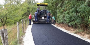 U toku asfaltiranje dijela puta u mjesnoj zajednici Par Selo