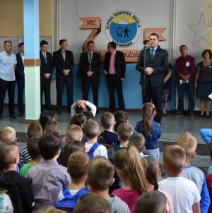 U osnovnim i srednjim školama u Tuzlanskom kantonu počela školska godina