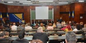 """SBB Tuzla upriličio tribinu pod nazivom """"Šta nam je danas Dan državnosti?"""""""