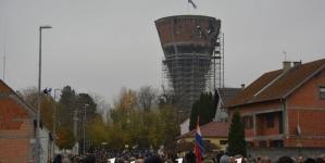 Hrvatski premijer Andrej Plenković najavio protest Srbiji zbog spomen-ploče komandantu napada na Vukovar