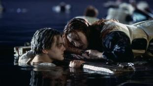"""Režiser """"Titanica"""" otkrio zbog čega Jack nije mogao preživjeti brodolom"""