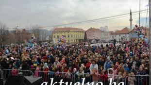FOTO/ Mala raja proslavila Novu godinu na Trgu slobode u Tuzli