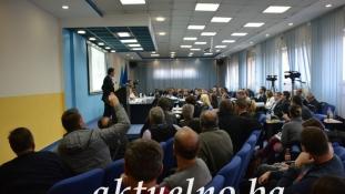 """""""Predizborna kampanja u punom jeku"""": Maratonska sjednica Gradskog vijeća Tuzla"""