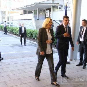 Hitan sastanak u Beču: Novalić, Cvijanović i Šarović o mogućim sankcijama