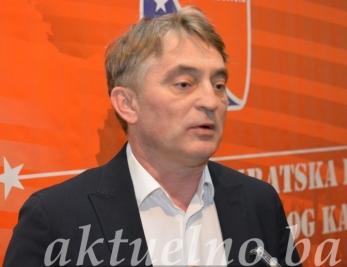 Predsjedavajući Predsjedništva BiH Željko Komšić sa ambasadorima SAD-a i Velike Britanije