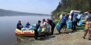 """Realizovana ekološka akcija čišćenja obale jezera Modrac u Kiseljaku:""""Ono što se pije treba i da se čuva"""""""