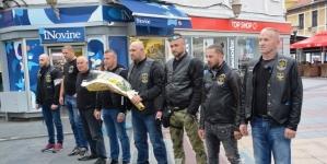 """Članovi Moto kluba """"Motorhead No8"""" Gornja Tuzla odali počast stradalim na Tuzlanskoj kapiji"""