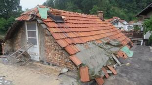 Boračke organizacije Grada Tuzle obezbijedile novi krov za demobilisanog borca Vahida Mašića