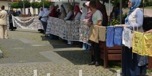 Hajra Ćatić: Teško je živjeti u vremenu u kojem je sve manje onih koji vam žele pomoći da nađete ubijenog sina