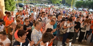 Mirna šetnja u Tuzli: 8372 koraka za Srebreničke žrtve