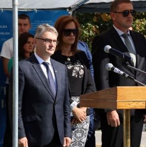 Federalni ministar Salko Bukvarević uručio ključeve auta za 60 ratnih vojnih invalida