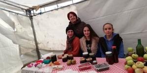 Učenice OŠ Lipnica učestvovale na 12. Međunarodnom poljosajmu u Breškama