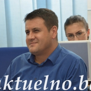 Klub vijećnika SDA Tuzla: Osuđujemo poskupljenje usluga javnog prevoza u Tuzli