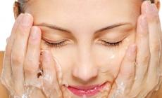 Umivanje mineralnom vodom: Trend za kojim su poludjeli mnogi