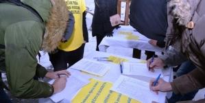 """Potpisivanje peticije: """"Djecu treba liječiti iz budžeta, a političare plaćati SMS porukama"""