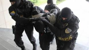 """Akcija """"Pečat"""": Izvršeni pretresi na osam lokacija, slobode lišeno devet osoba"""