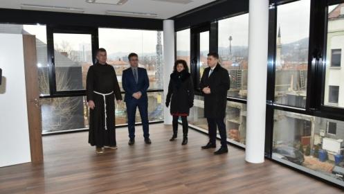 Premijer Suljkanović posjetio Hrvatski kulturni centar