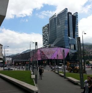 Sarajevo: U toku evakuacija SCC-a, javljeno da je postavljena bomba