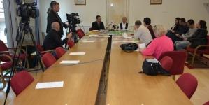 Dženaza za tri identifikovana tijela civlinih žrtava masovnih zločina počinjenih u Bratuncu u nedjelju 12. maja