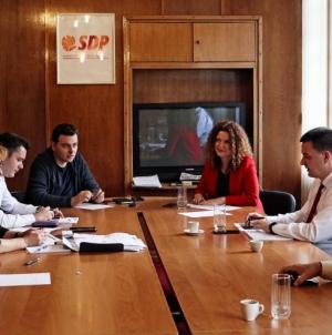 SDP: Izlaznost na izborima oko 50 posto, glasalo 13.160 glasača