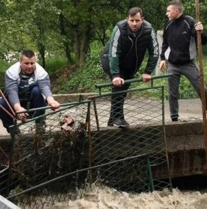 Mještani se uključili u potragu za dječakom, u vodi pronađen njegov bicikl