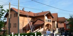 Grom pogodio i zapalio porodičnu kuću u Gornjoj Tuzli