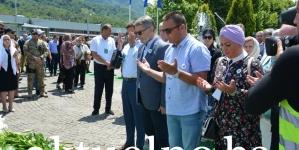 Gradonačelnik Tuzle Jasmin Imamović odao počast žrtvama genocida u Srebrenici