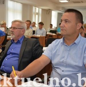 Usvojena inicijativa Tuzlanske alternative i SDP-a za efikasnije rješavanje sanacija udarnih rupa na cestama