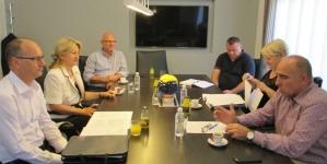 Premijer Tulumović razgovarao sa predstavnicima Strukovnog sindikata doktora medicine i stomatologije TK
