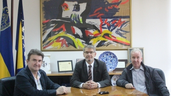 """Gradonačelnik Tuzle se sastao sa članovima inicijativnog odbora za obilježavanje 40 godina od radne akcije """"ORA AERODROM TUZLA '79"""""""