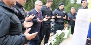 Ministar Bukvarević na obilježavanju 26. godišnjice pogibije Meldina Hajdarevića i 6 kladanjskih šehida