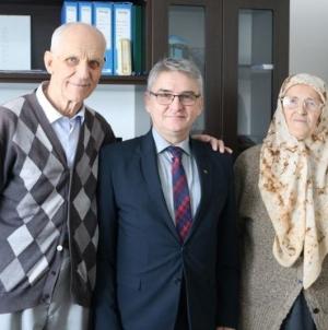 Ministar Bukvarević u domu roditelja narodnog heroja Adila Bešića