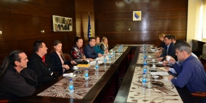 Premijer Novalić podržao uposlenike Zavoda Pazarić: Hitno povećati broj stručnih kadrova