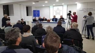 """Predstavljena knjiga knjige """"Sa 77 legendi"""", Miralema Demirovića"""