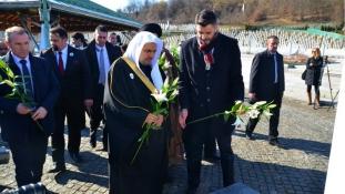 Generalni sekretar Muslimanske svjetske lige odao je počast žrtvama genocida u Srebrenici