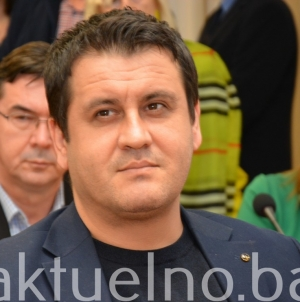 Mirza Tupajić SDA: Inicijativa za sufinansiranje troškova linijskog prijevoza za porodice šehida i poginulih boraca na području Grada Tuzla
