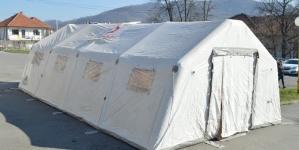 Postavljen trijažni punkt na ulazu u Univerzitetski klinički centar Tuzla