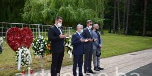 Bukvarević odao počast žrtvama masakra na Kapiji