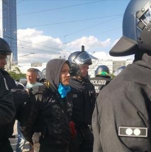 Više od stotinu ljudi privedeno na protestima protiv restriktivnih mjera u Njemačkoj