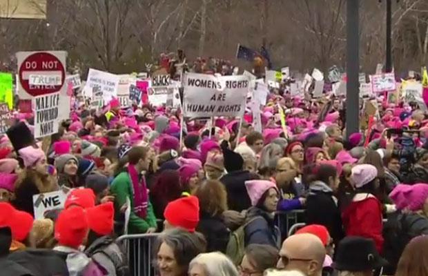Žene svijeta marširaju protiv Trampa