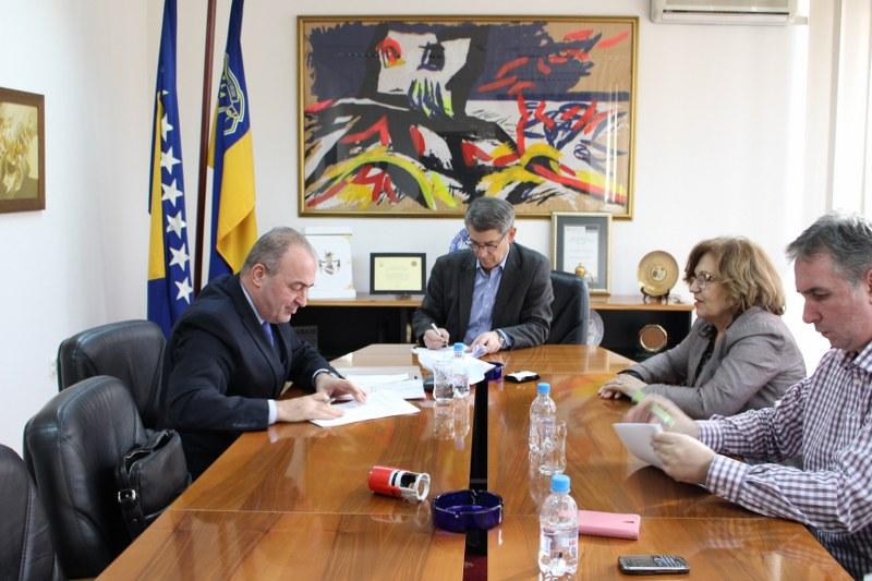 Potpisani tripartitni ugovori o načinu korištenja novčanih sredstava Federalnog fonda za pomoć nastradalim područjima od prirodne nesreće na teritoriji Federacije BiH
