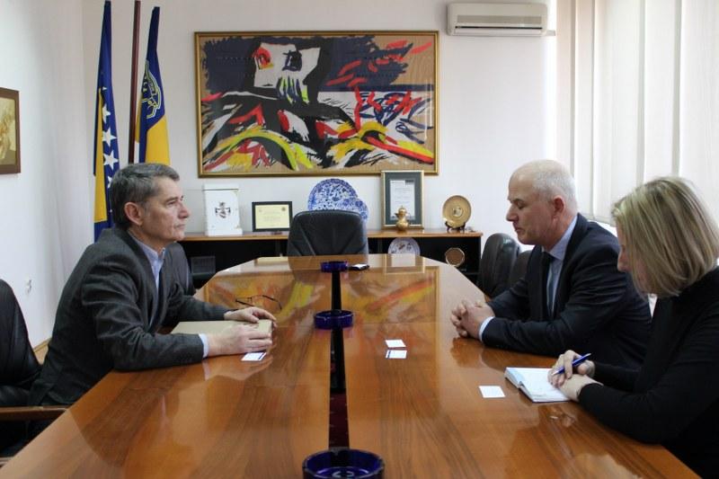 Održan sastanak gradonačelnika Tuzle i direktora njemačke Fondacije Konrad Adenauer u Bosni i Hercegovini
